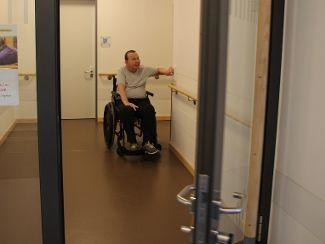 Große Freude über automatischen Türöffner