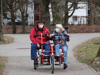 Auf dem Doppel-E-Bike Memmingen erkunden